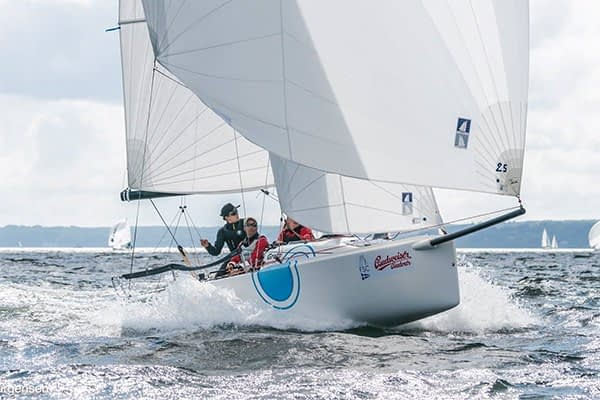 Upffront - Source for hardware and rigging for sportboats